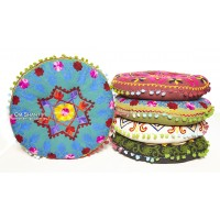 Round meditation cushion with pom poms 40x40